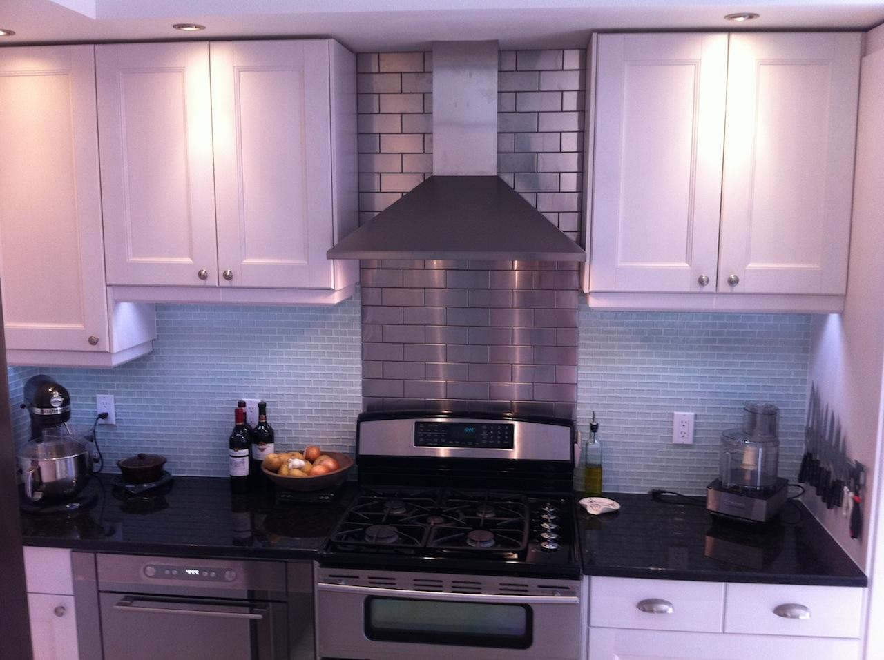 Remodel series kitchen part 5 finale badzoot for Ikea kitchen hood