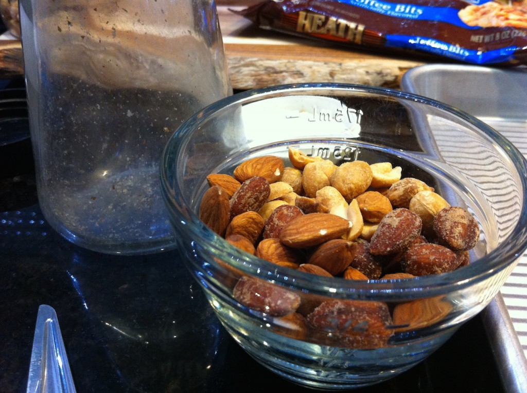 Mix the nuts as you like