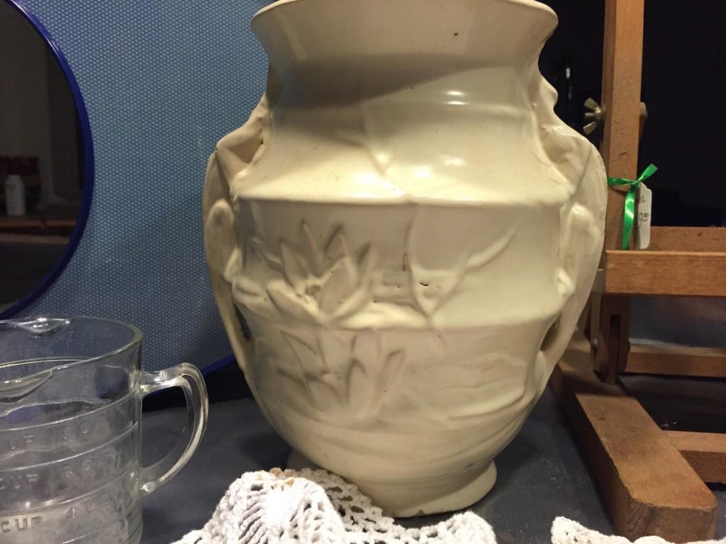 Lizard handle vase
